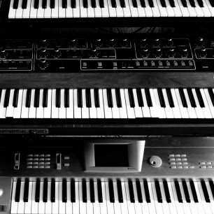 Synths 1